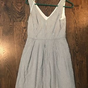 ADORABLE J. Crew seersucker v neck dress